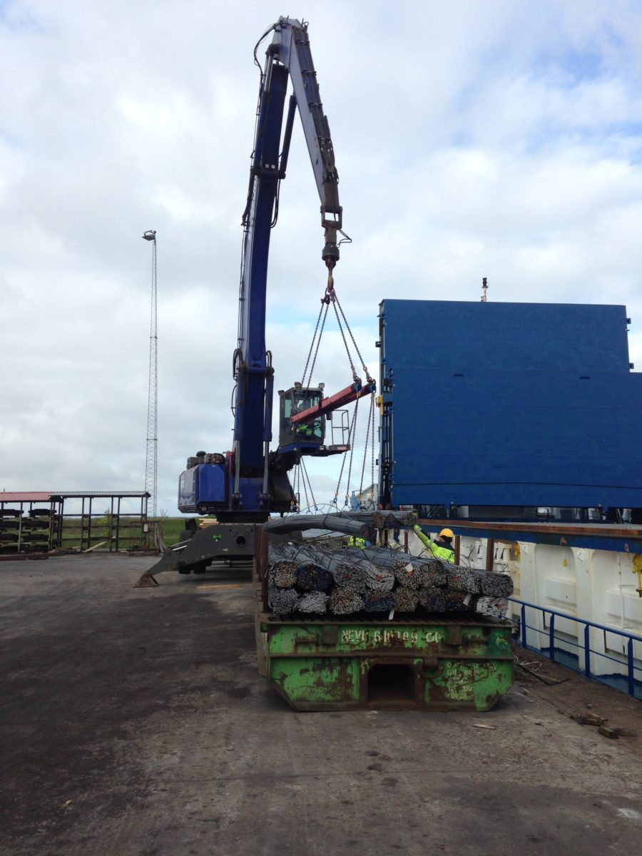 Discharging profile steels in Frederiksvaerk TERMINAL